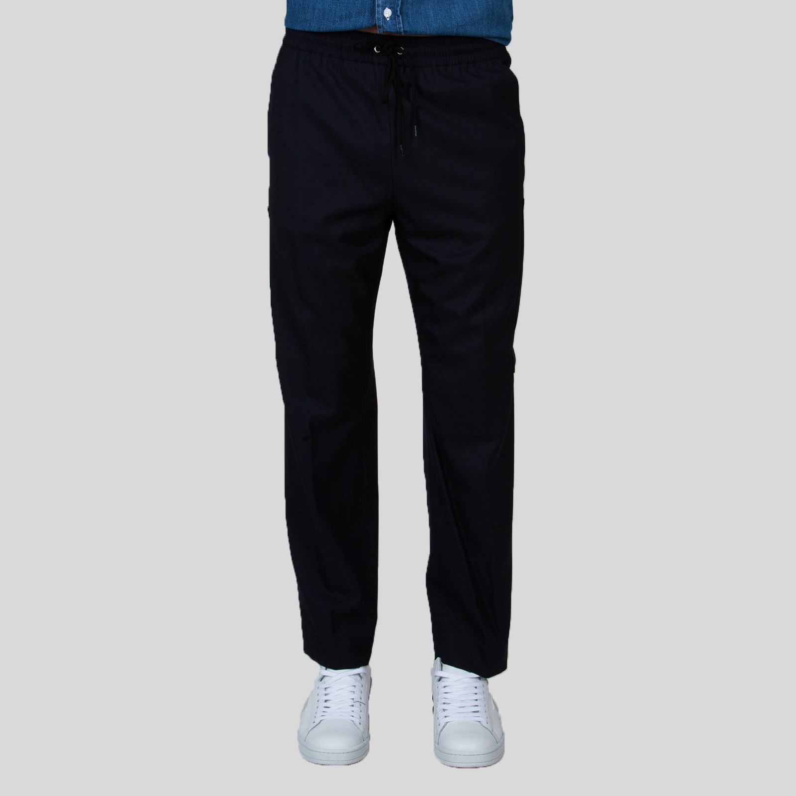 KENZO Μπλε-Μαύρο Παντελόνι Ελαστικη ρυθμιζόμενη μέση με κορδόνια 4 τσέπες 2 αποσπόμενες τσέπες πίσω Μέγεθος δείγματος: 46 Σύνθεση: 100% Μάλλι