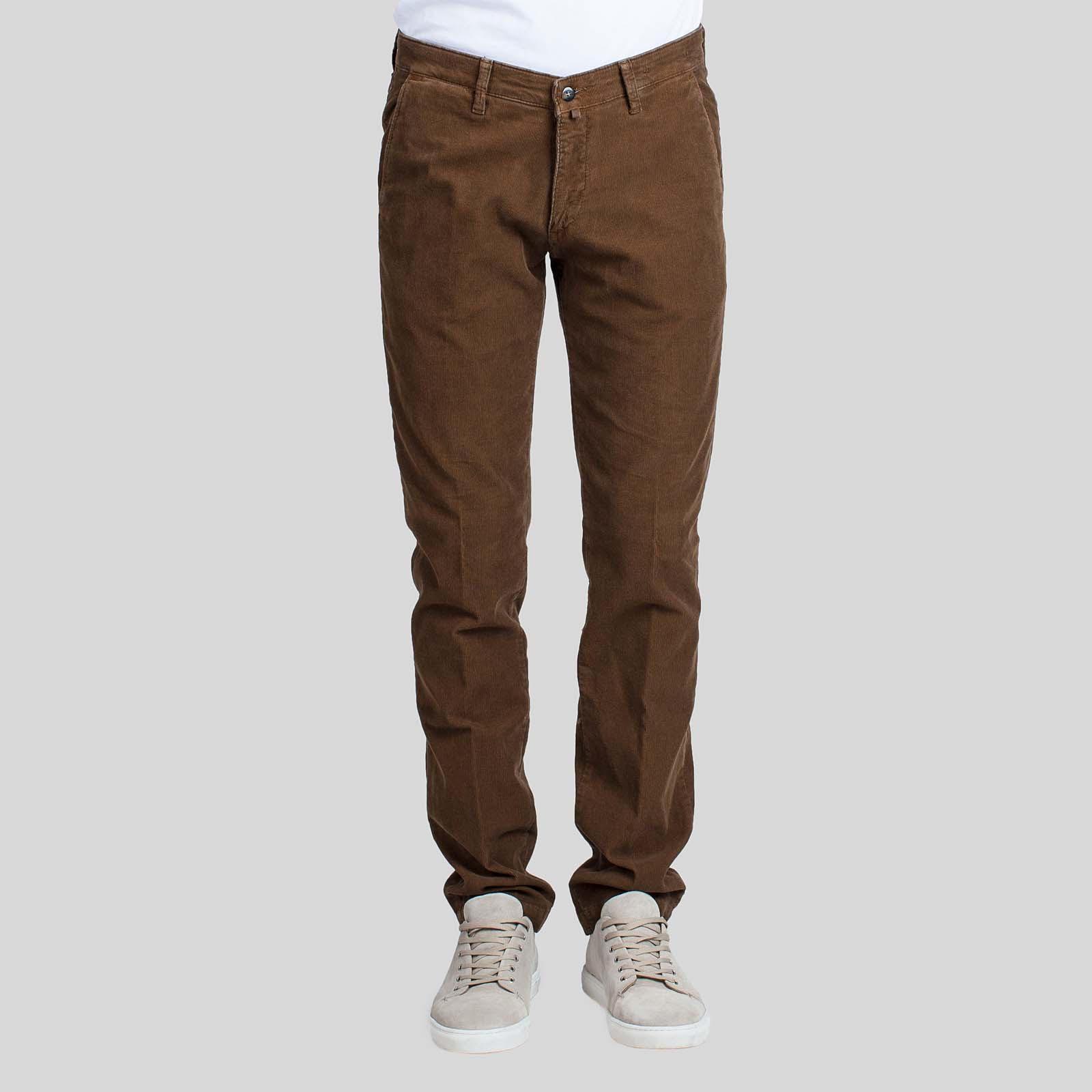4/10 FOUR.TEN INDUSTRY Σκούρο Καφέ Κοτλέ Παντελόνι Μέση με θηλιές ζώνης Κούμπωμα με φερμουάρ και κουμπί Δύο κάθετες τσέπες στο πλάι Δύο τσέπες πίσω Κανονική γραμμή Μέγεθος δείγματος : 48 Σύνθεση: 98% Βαμβάκι, 2% Ελαστίνη